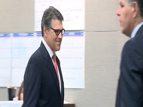Texas Gov. Rick Perry Appears in Court
