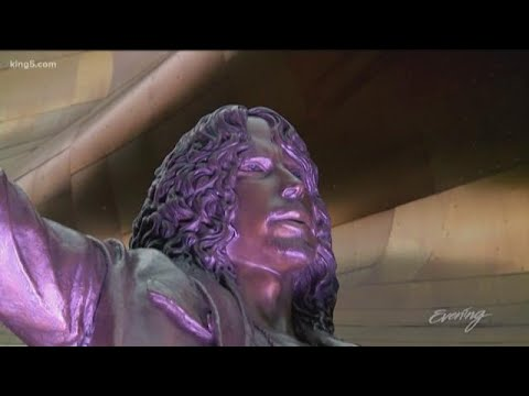 Shannon The Dude - Chris Cornell Statue Unveiled In Seattle