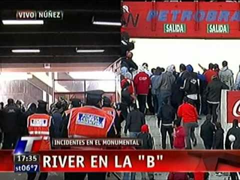 INCIDENTES LUEGO DEL DESCENSO DE RIVER PLATE - 26/06/2011- PARTE 2