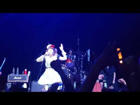 BAND MAID MEXICO 2016 Miku Kobato!! (kuruppo)