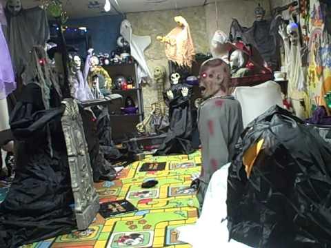 halloween room year round 4 - Halloween Room