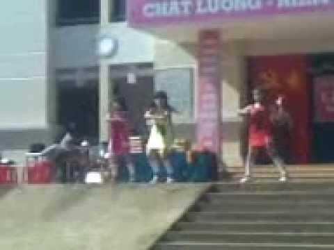 Lễ tổng kết năm học 2011-2012 THPT Hùng Vương Bình Phước