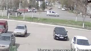 Страшное ДТП со смертью пешехода попало в объектив видеокамеры