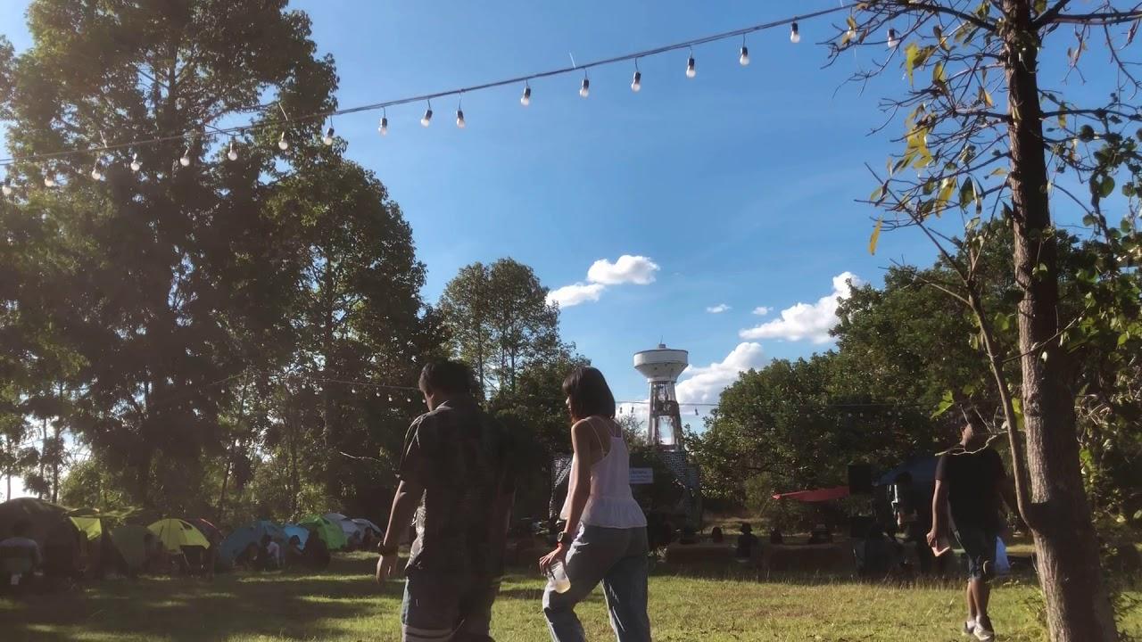 ลิปสติกบนลิปสติก - อพาร์ตเมนต์คุณป้า : cover by Chalisa [Live at Folkcamp Folkmusic and Camping]