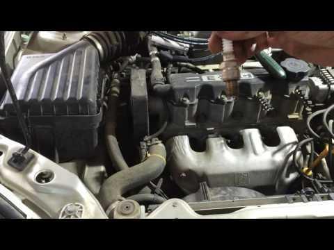 Шевроле Ланос 1,5  2006 года  меняем свечи зажигания IW20TT и высоковольтные провода Chevrolet Lanos