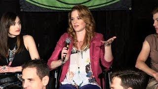 """Everwood"" Reunion: Emily VanCamp's Injury Revealed! | toofab"