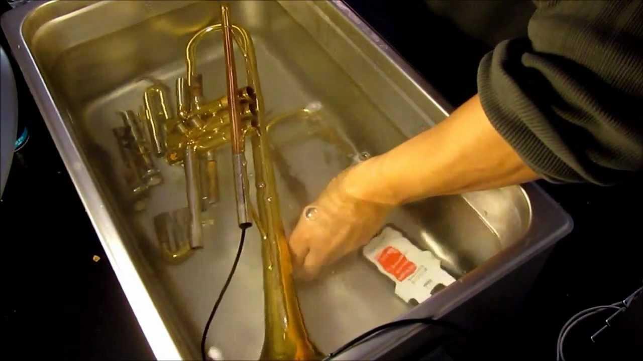 nettoyage d 39 une trompette par ultrason youtube. Black Bedroom Furniture Sets. Home Design Ideas