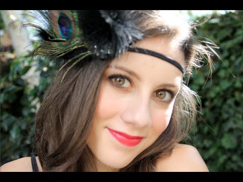 1920s Flapper Makeup & Costume - YouTube