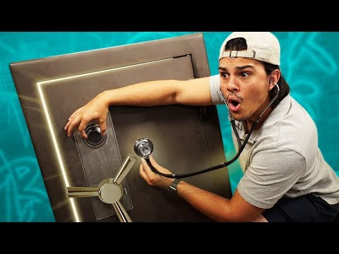 Opening An ABANDONED MYSTERY SAFE!