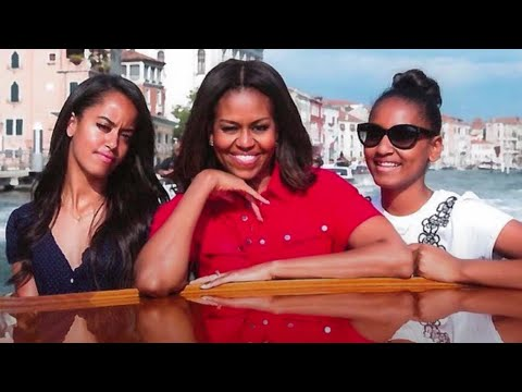 Barack-Obama-Reveals-What-Daughters-Sasha-and-Malia-Are-REALLY-Like