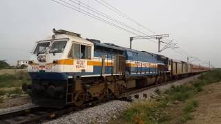 Fully crowded general Coaches | 15023 GKP-YPR EX | offlink WDP4D Gooty
