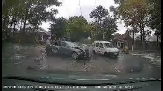 ПН TV: Видео момента столкновения на пересечении Лягина и Потемкинской в Николаеве