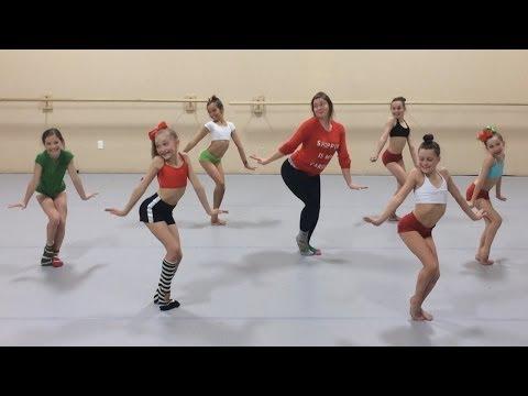 Kelly Clarkson - Underneath the Tree | Choreography