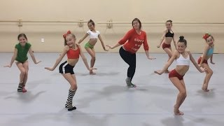 Kelly Clarkson - Underneath the Tree | Choreography