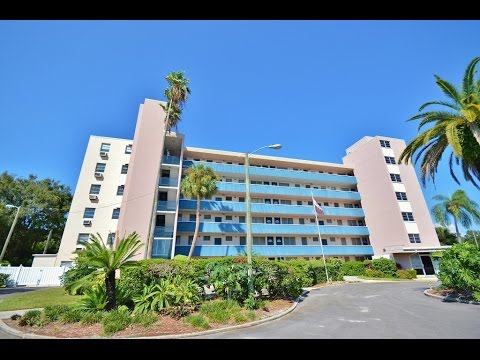 200 N Betty Rd #2F Clearwater FL 33755 Clearwater Country Club 55+ Home Video Tour Duncan Duo