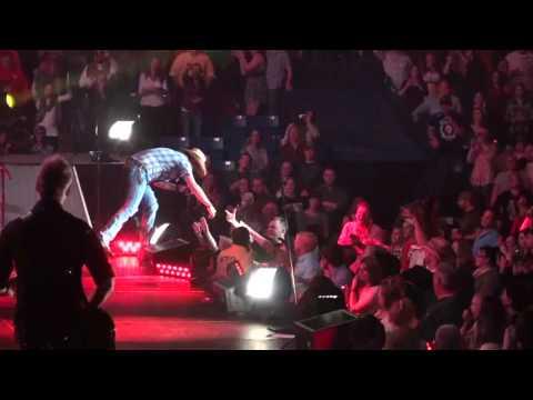 Jason Aldean - Hicktown Live in Concert (HD)