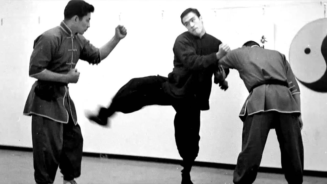 Bruce Lee vs Taky Kimu...