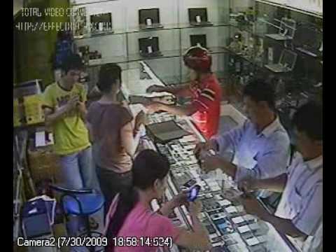 Camera2- Góc nhìn này thấy rõ mặt của tên trộm ( Mặc áo đỏ)