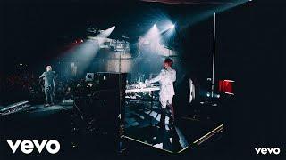 Смотреть клип Jonas Blue - We Could Go Back Ft. Moelogo | Live