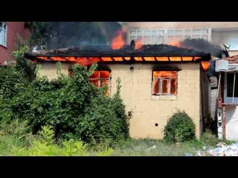 Sakarya  Orhangazi Caddesinde  Yangın Paniği Kurt Prodüksiyon