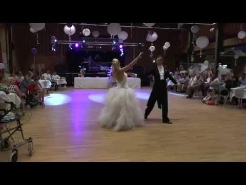 Ouverture mémorable de bal de mariage