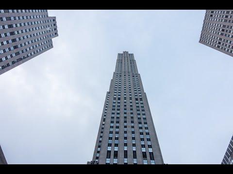 Walking tour of Rockefeller Center in Manhattan, New York City, New York