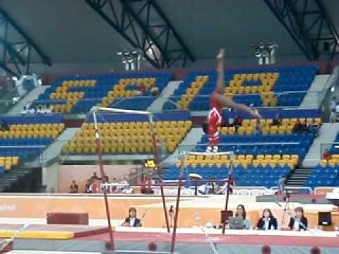 laerke Andersen in uneven bars Gymnasiade Doha Qatar dec 2009