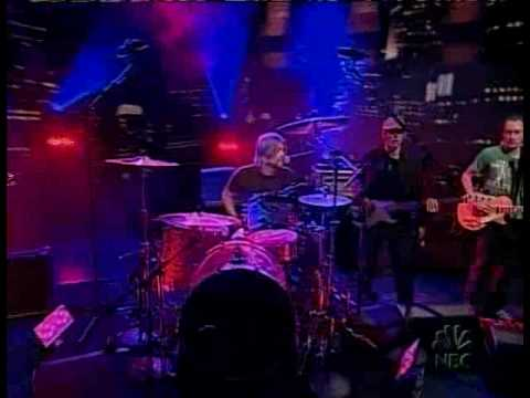 Gannin Arnold Taylor Hawkins and The Coattail Riders.mp4