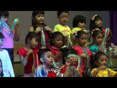 Natal Anak 2013 GKI Gading Serpong Kindergarten Kids Performance