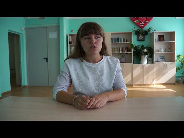 Изображение предпросмотра прочтения – ДарьяБобровская читает произведение «Ты письмо моё, милый, не комкай...» А.А.Ахматовой