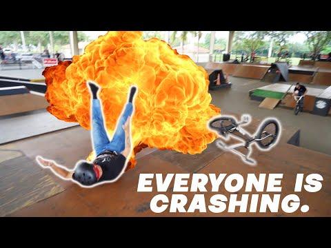 BMX: EVERYONE IS CRASHING!