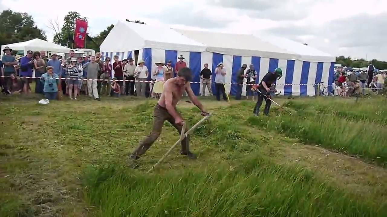 Scythe vs strimmer race