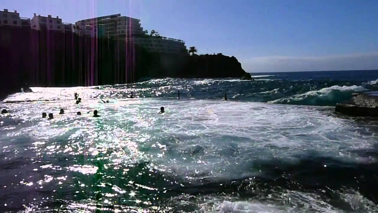 Естественный бассейн в Пуэрто-Сантьяго, Тенерифе - 1 января 2014