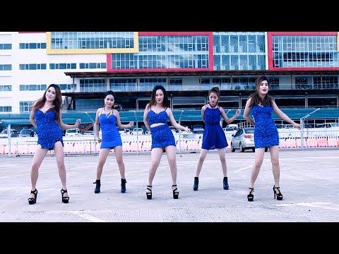 Yug los hlub koj (Official Music Video) - Nkauj Hmoob Nasala thumbnail