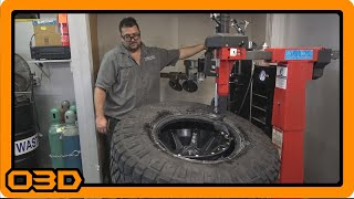Tire School with Paul - Wheel & Tire Breakdown with Hunter TCX57 Tire Machine at World Tour Off Road