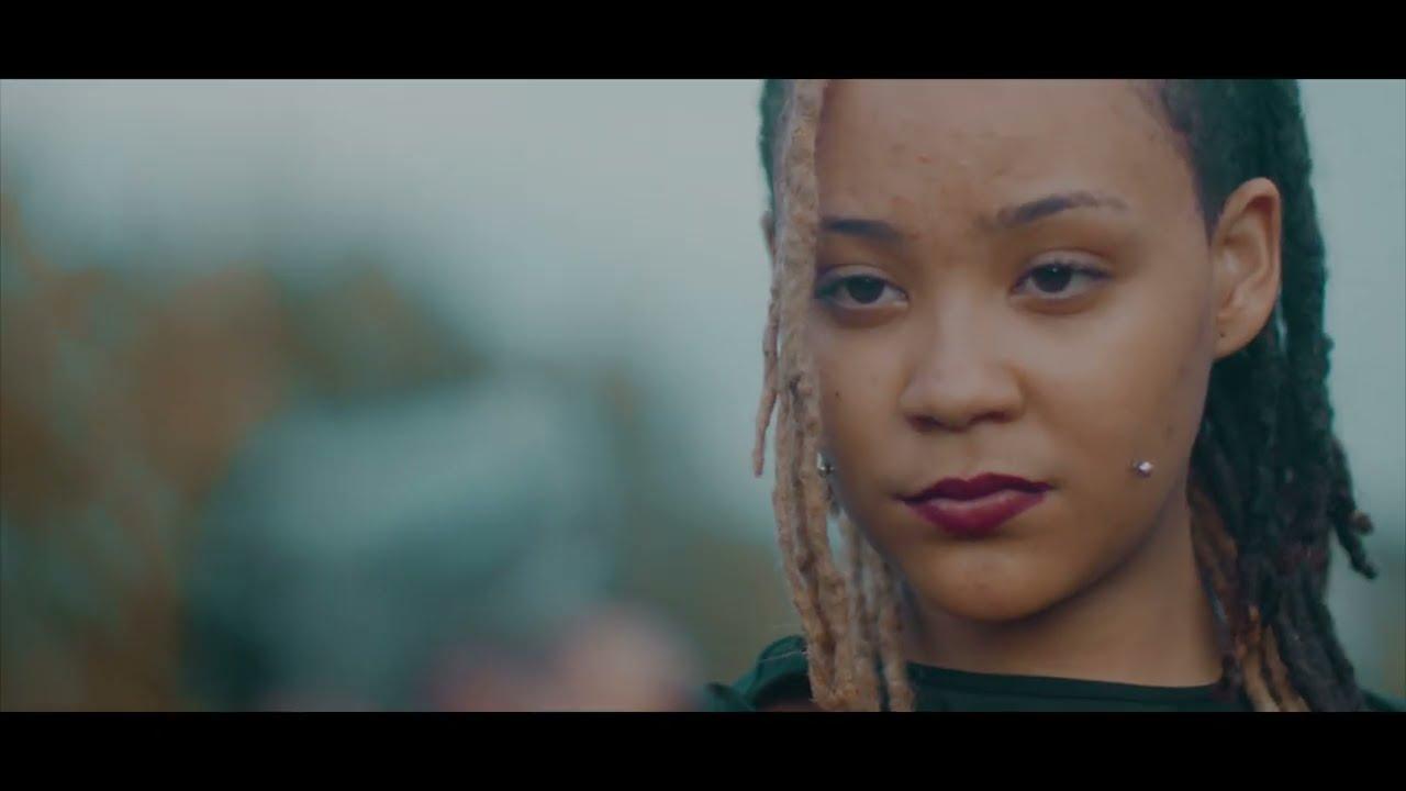 Download Esii - Nakangiwa (Official Music Video)