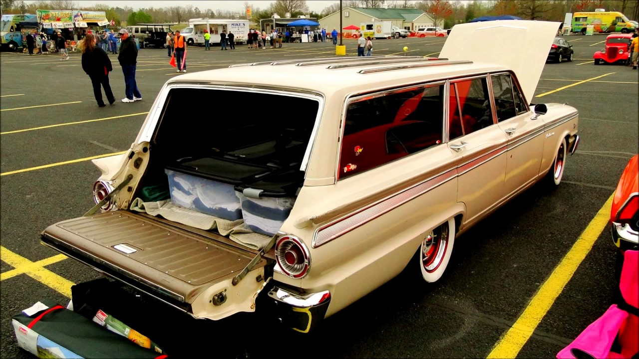 '63 Ford Fairlane 500 Station Wagon looking good!