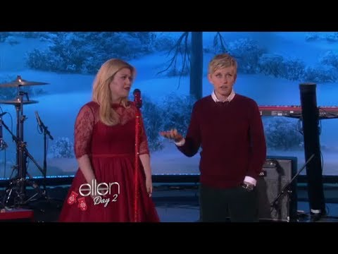 Kelly Clarkson perform on Ellen show