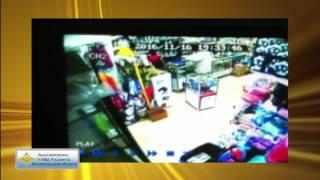В Волгограде полиция просит по видео опознать напавшего на магазин для животных разбойника