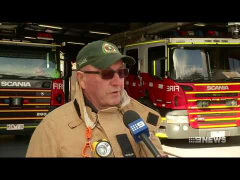 Latrobe Valley CAFS tankers help put out Coolaroo recycling plant fire, NINE NEWS, 20/07/2017