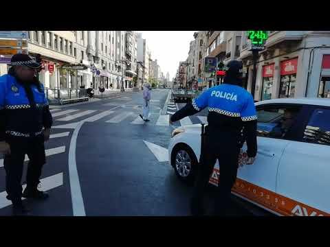 La policía local impide circular por Ordoño II