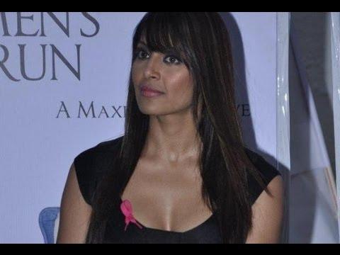 Sexy Bipasha Spreading Breast Cancer Awareness