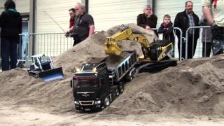 Repeat youtube video Erlebniswelt Modellbau Erfurt 2014 Modelltruck - Parcours