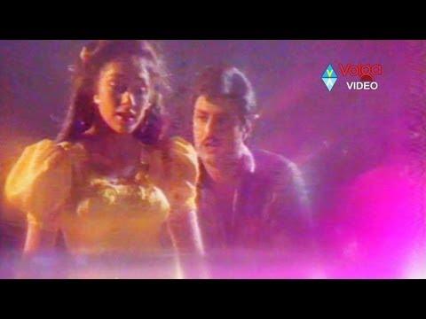 Nari Nari Naduma murari Movie Songs - Vayasu sogasu kalisina - Bala Krishna Sobhana