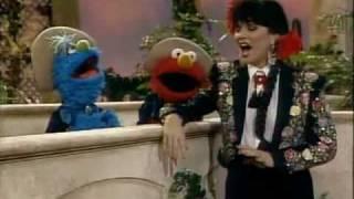 Linda Ronstadt -SesameStreet
