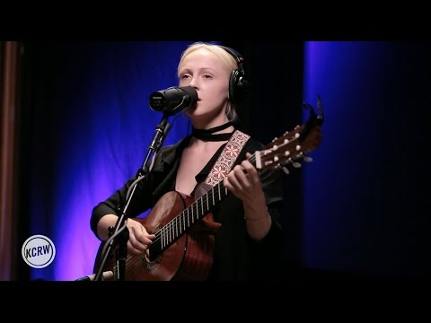 "Laura Marling performing ""The Valley"" Live on KCRW"
