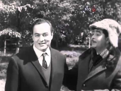 1967: Raj Kapoor speaking Russian in Russia and Mukesh