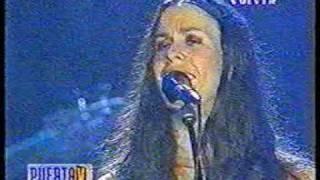 Alanis Morissette - piano solo + Uninvited (Live Argentina 22.11.99) .mpg