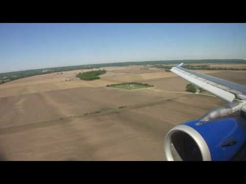 A Field Of Dream - Landing To Omaha Airport UA Airbus A320