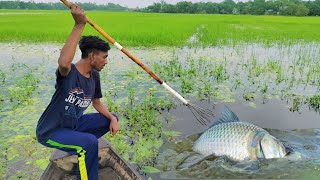 Best Bowfishing Form Boat💖Fast Trap Can Catch Lot Of Big Fish💖Bamboo Crossbow Fishing By Boat